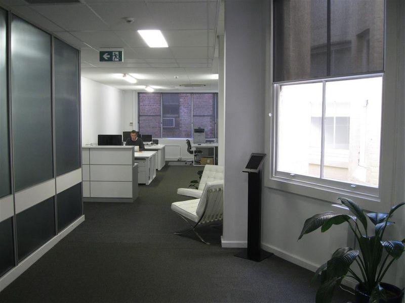 https://propertyphotos.vaultre.com.au/835/757635__reaimport-1568678911-347209-442255.jpg