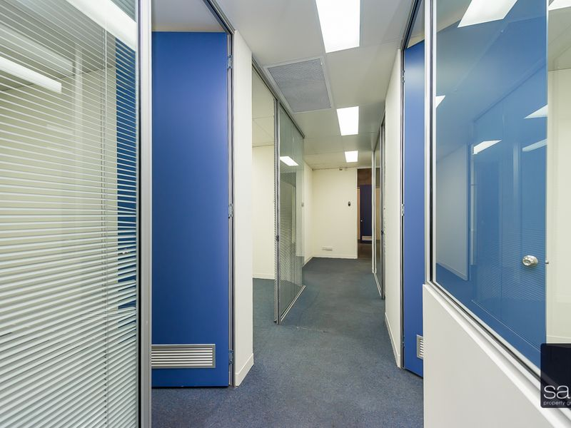https://propertyphotos.vaultre.com.au/835/757644__reaimport-1568678914-347210-442256.jpg