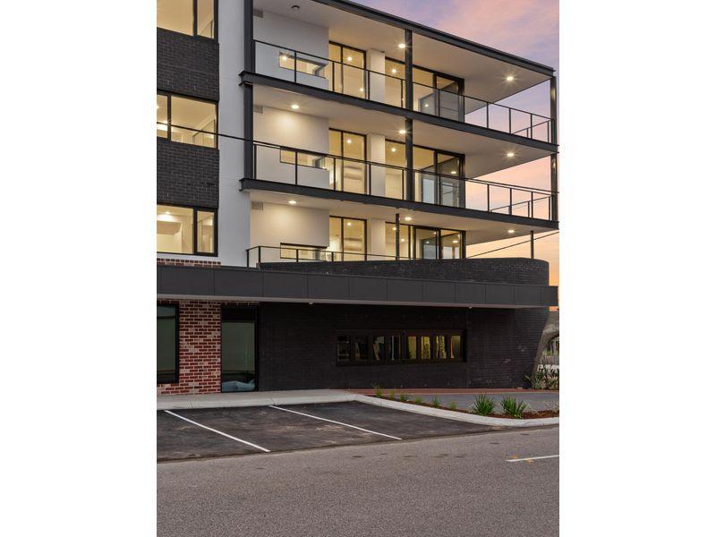 https://propertyphotos.vaultre.com.au/835/757664__reaimport-1568678921-347211-442257.jpg