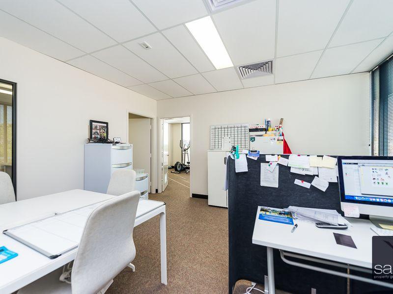 https://propertyphotos.vaultre.com.au/835/757704__reaimport-1568678934-347214-442260.jpg