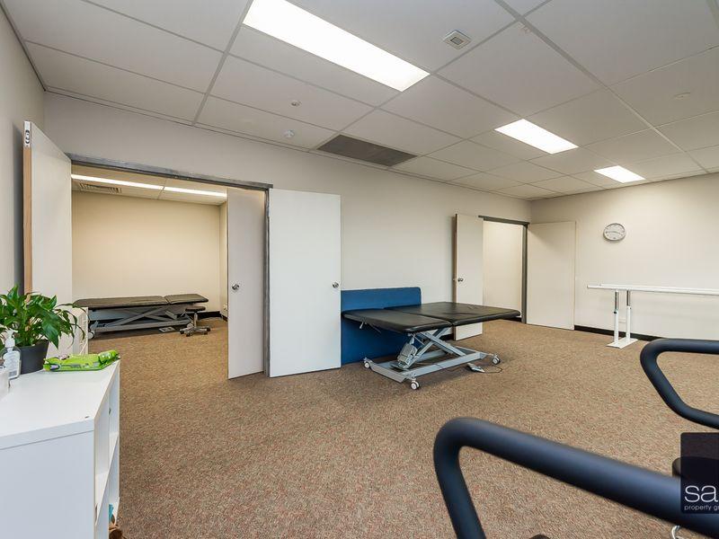 https://propertyphotos.vaultre.com.au/835/757709__reaimport-1568678935-347214-442260.jpg