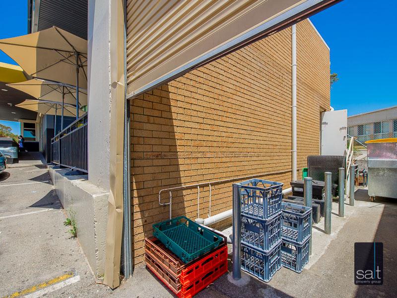 https://propertyphotos.vaultre.com.au/835/757733__reaimport-1568678943-347215-442261.jpg