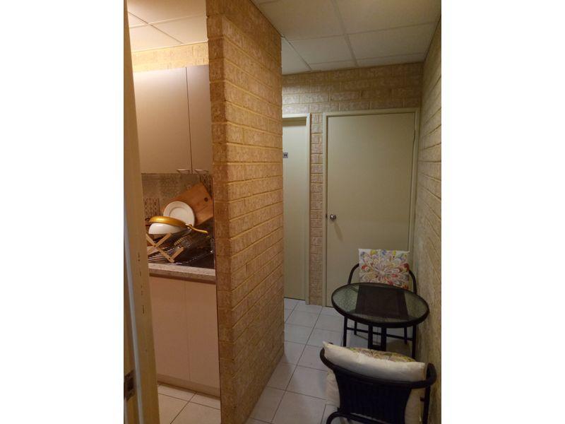 https://propertyphotos.vaultre.com.au/835/757742__reaimport-1568678947-347216-442262.jpg