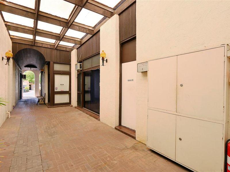 https://propertyphotos.vaultre.com.au/835/757772__reaimport-1568678958-347218-442264.jpg