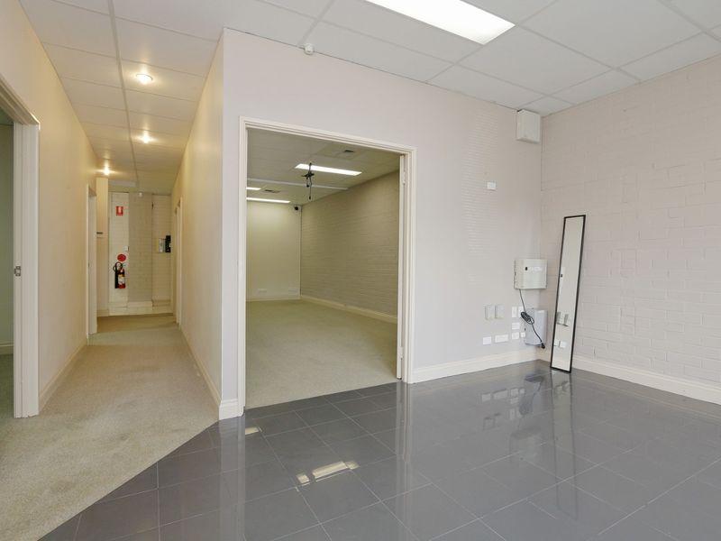 https://propertyphotos.vaultre.com.au/835/757789__reaimport-1568678964-347220-442266.jpg