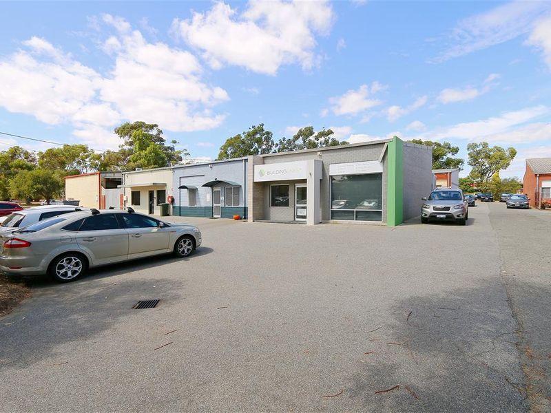 https://propertyphotos.vaultre.com.au/835/757799__reaimport-1568678967-347220-442266.jpg