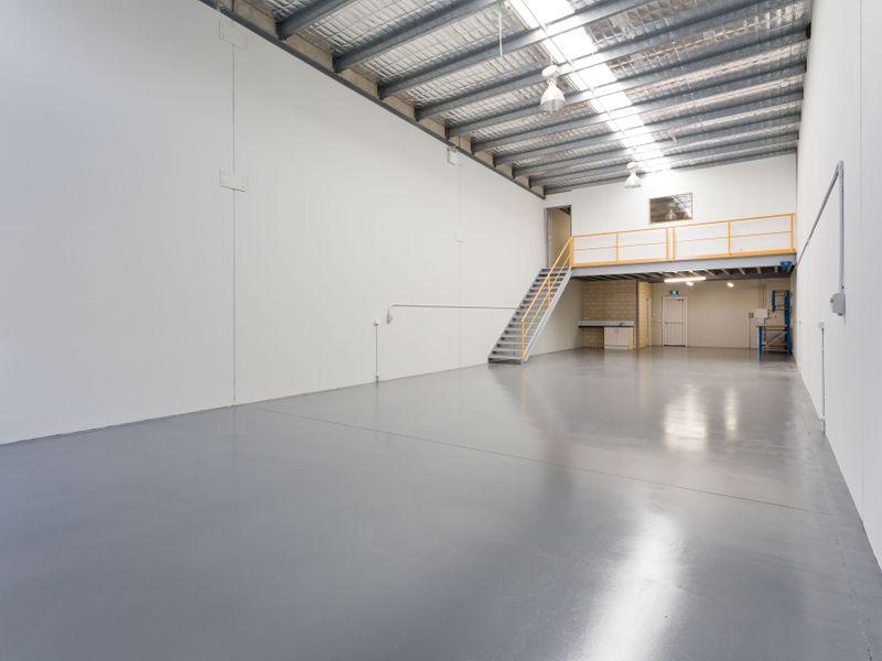 https://propertyphotos.vaultre.com.au/835/757811__reaimport-1568678972-347222-442268.jpg