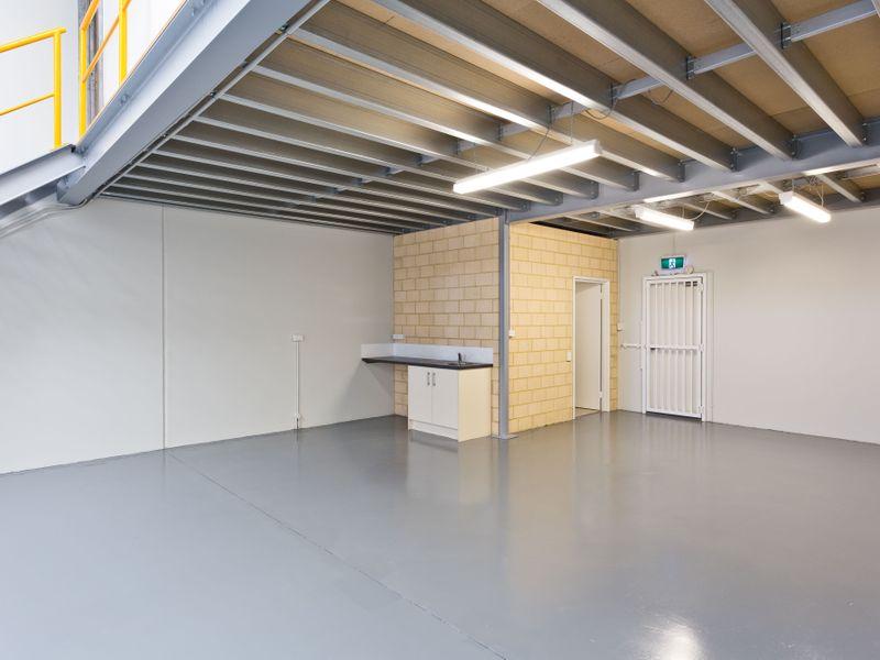 https://propertyphotos.vaultre.com.au/835/757815__reaimport-1568678973-347222-442268.jpg