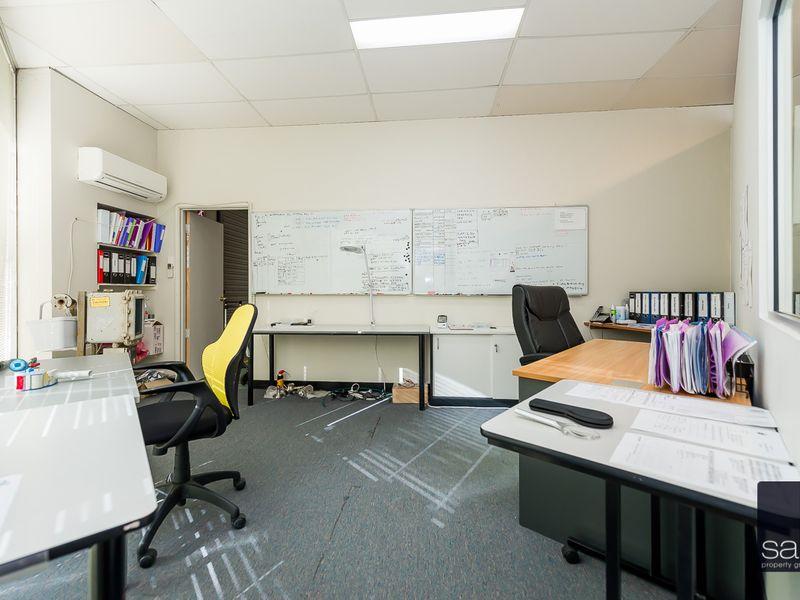 https://propertyphotos.vaultre.com.au/835/757825__reaimport-1568678977-347223-442269.jpg