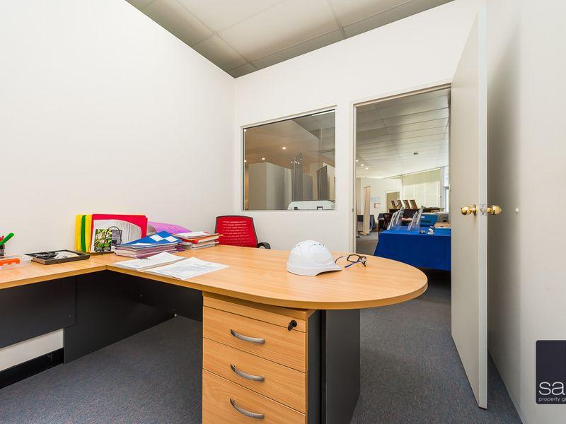 https://propertyphotos.vaultre.com.au/835/757826__reaimport-1568678977-347223-442269.jpg
