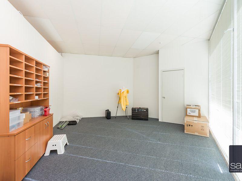 https://propertyphotos.vaultre.com.au/835/757829__reaimport-1568678978-347223-442269.jpg