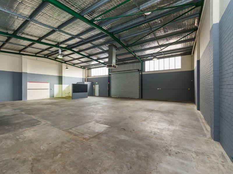 https://propertyphotos.vaultre.com.au/835/757877__reaimport-1568678994-347230-442275.jpg