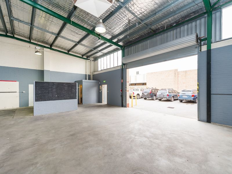https://propertyphotos.vaultre.com.au/835/757882__reaimport-1568678997-347230-442275.jpg