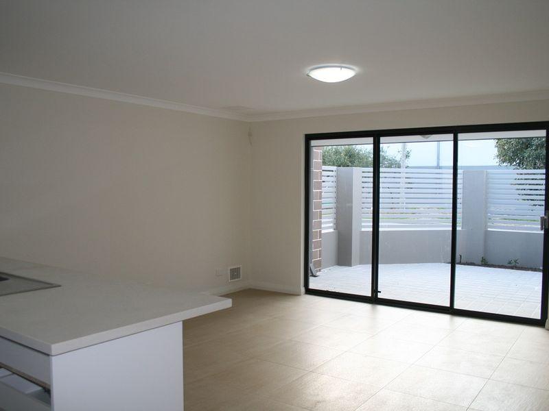 https://propertyphotos.vaultre.com.au/835/758571__reaimport-1568683686-347281-28956.jpg