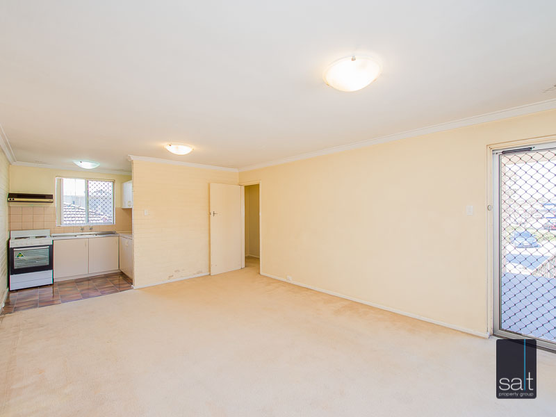 https://propertyphotos.vaultre.com.au/835/758613__reaimport-1568683700-347284-28959.jpg