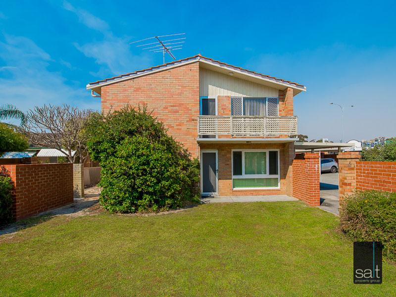 https://propertyphotos.vaultre.com.au/835/758614__reaimport-1568683700-347284-28959.jpg