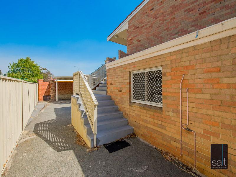 https://propertyphotos.vaultre.com.au/835/758616__reaimport-1568683700-347284-28959.jpg