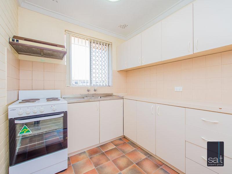 https://propertyphotos.vaultre.com.au/835/758620__reaimport-1568683701-347284-28959.jpg