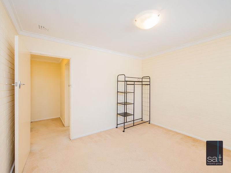 https://propertyphotos.vaultre.com.au/835/758622__reaimport-1568683702-347284-28959.jpg