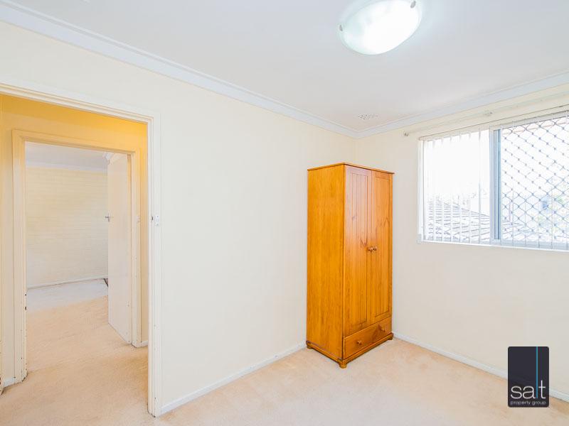 https://propertyphotos.vaultre.com.au/835/758623__reaimport-1568683702-347284-28959.jpg