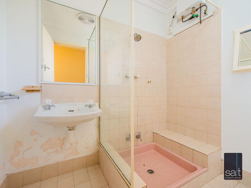https://propertyphotos.vaultre.com.au/835/758625__reaimport-1568683702-347284-28959.jpg