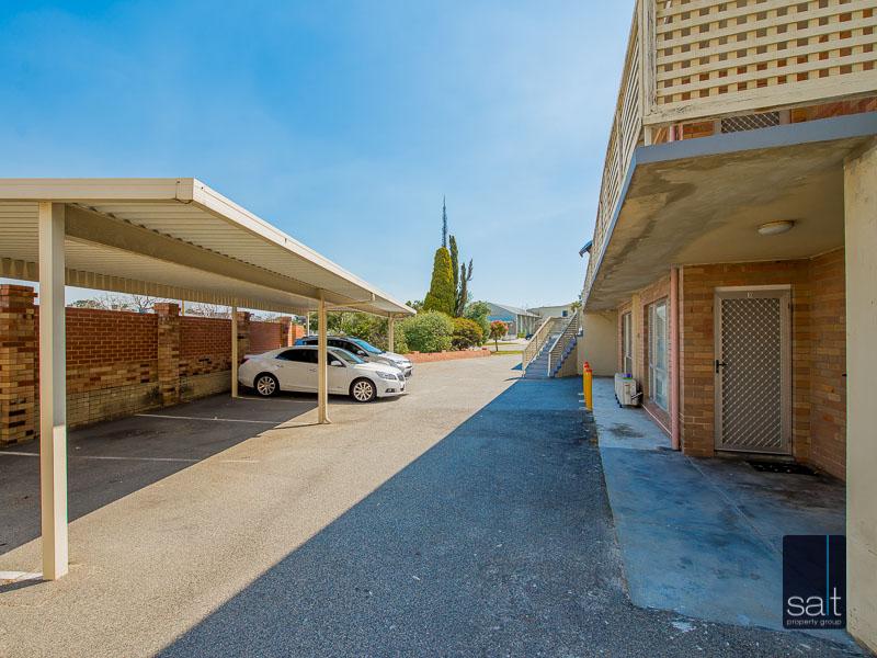https://propertyphotos.vaultre.com.au/835/758628__reaimport-1568683703-347284-28959.jpg