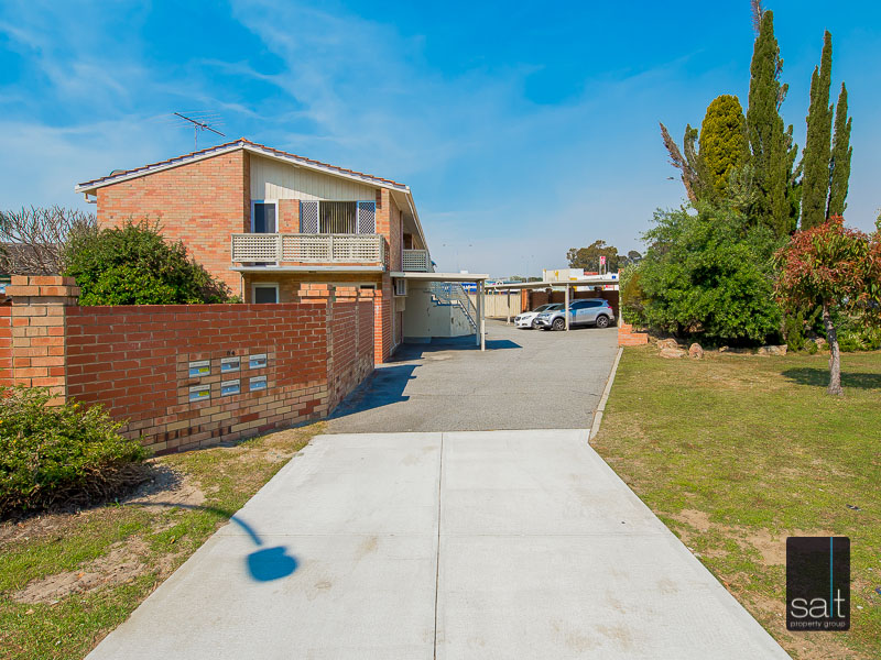 https://propertyphotos.vaultre.com.au/835/758629__reaimport-1568683703-347284-28959.jpg