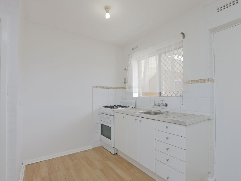 https://propertyphotos.vaultre.com.au/835/758968__reaimport-1568683827-347306-28979.jpg