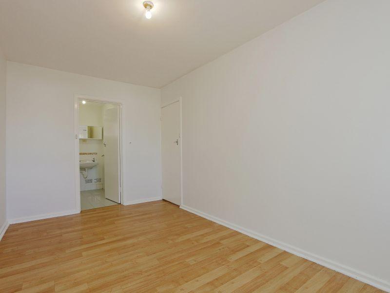 https://propertyphotos.vaultre.com.au/835/758980__reaimport-1568683830-347306-28979.jpg