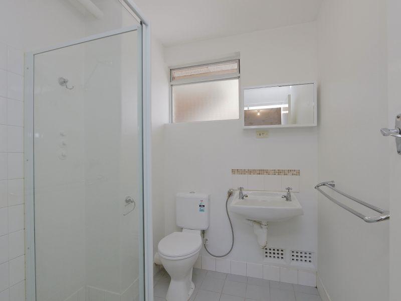 https://propertyphotos.vaultre.com.au/835/758981__reaimport-1568683830-347306-28979.jpg
