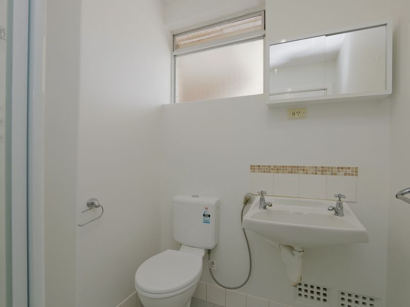 https://propertyphotos.vaultre.com.au/835/758982__reaimport-1568683830-347306-28979.jpg