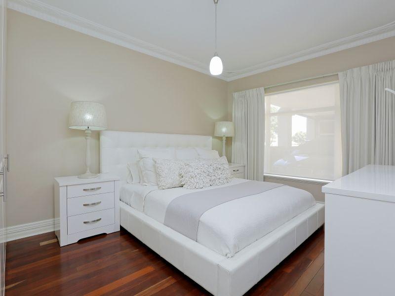 https://propertyphotos.vaultre.com.au/835/758994__reaimport-1568683834-347307-28980.jpg