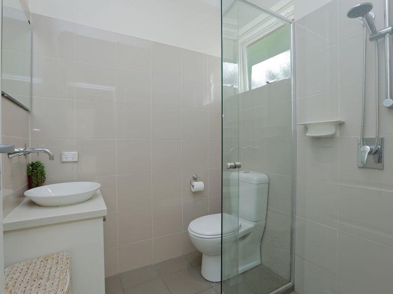 https://propertyphotos.vaultre.com.au/835/759002__reaimport-1568683836-347307-28980.jpg