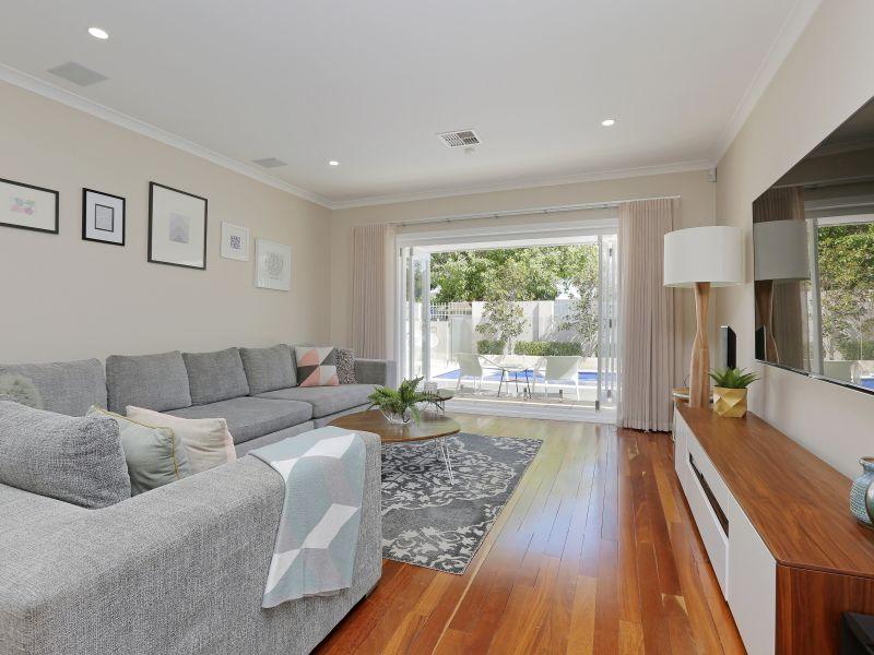 https://propertyphotos.vaultre.com.au/835/759004__reaimport-1568683837-347307-28980.jpg