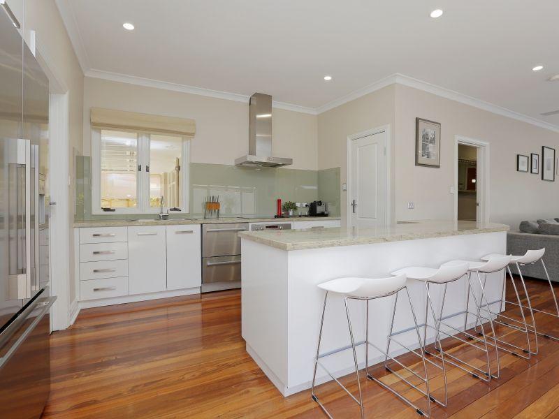 https://propertyphotos.vaultre.com.au/835/759010__reaimport-1568683839-347307-28980.jpg