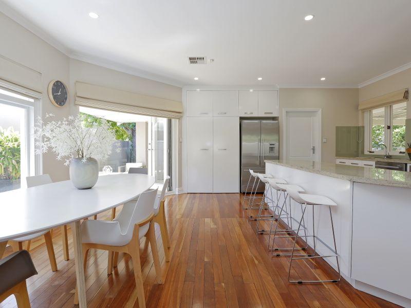https://propertyphotos.vaultre.com.au/835/759011__reaimport-1568683839-347307-28980.jpg
