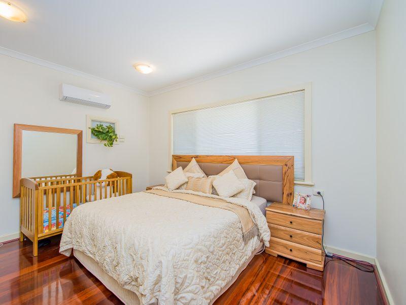 https://propertyphotos.vaultre.com.au/835/759263__reaimport-1568683930-347320-28993.jpg