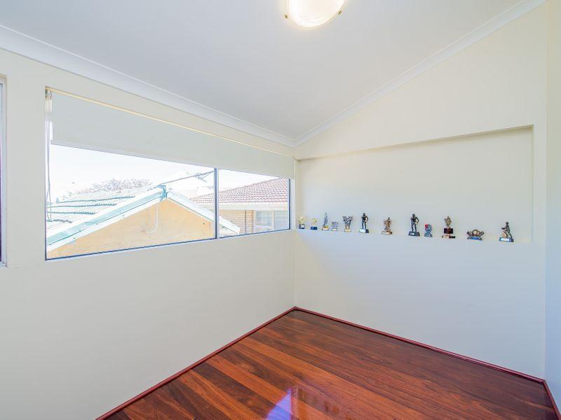 https://propertyphotos.vaultre.com.au/835/759267__reaimport-1568683932-347320-28993.jpg