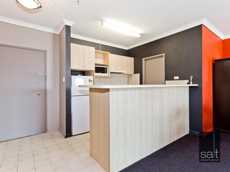https://propertyphotos.vaultre.com.au/835/759572__reaimport-1568684039-347346-29019.jpg