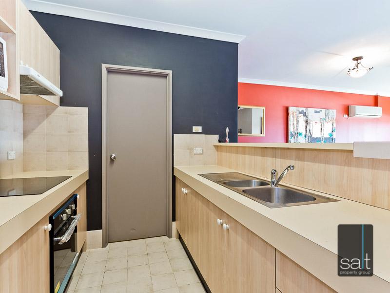 https://propertyphotos.vaultre.com.au/835/759573__reaimport-1568684039-347346-29019.jpg