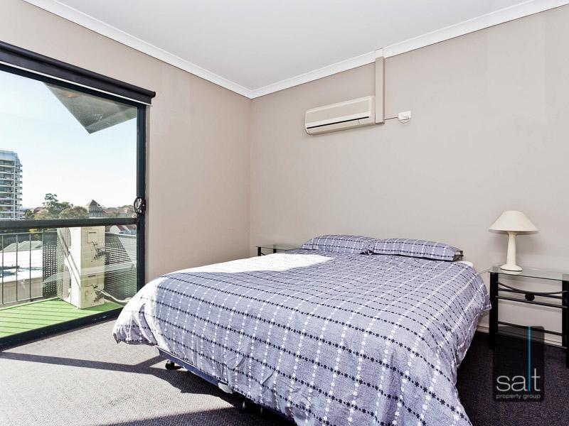 https://propertyphotos.vaultre.com.au/835/759576__reaimport-1568684040-347346-29019.jpg