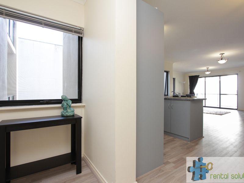 https://propertyphotos.vaultre.com.au/835/759680__reaimport-1568684085-347355-29027.jpg