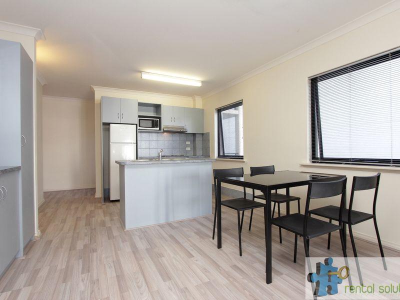 https://propertyphotos.vaultre.com.au/835/759684__reaimport-1568684088-347355-29027.jpg
