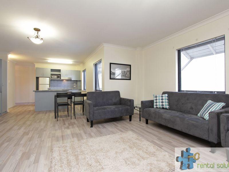 https://propertyphotos.vaultre.com.au/835/759686__reaimport-1568684089-347355-29027.jpg