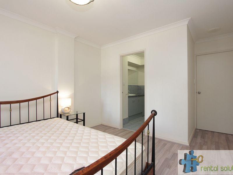 https://propertyphotos.vaultre.com.au/835/759688__reaimport-1568684090-347355-29027.jpg
