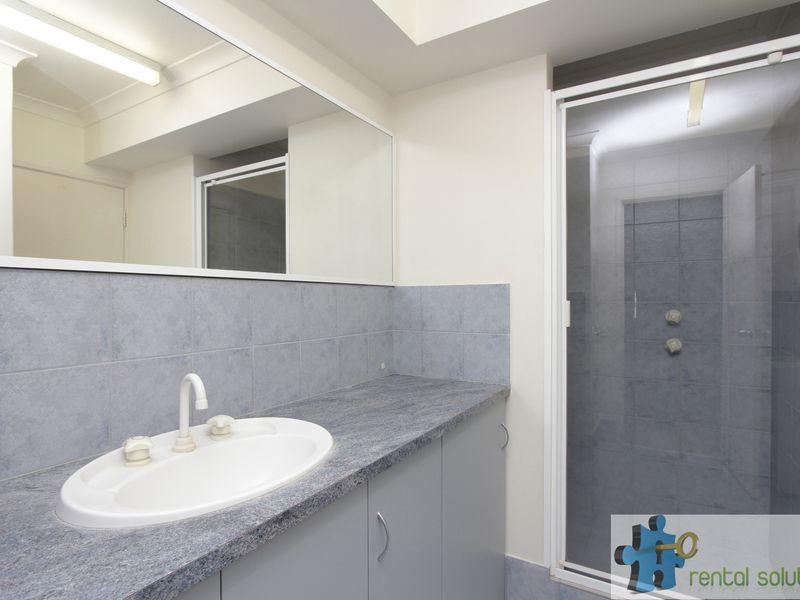 https://propertyphotos.vaultre.com.au/835/759689__reaimport-1568684091-347355-29027.jpg