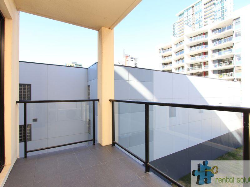 https://propertyphotos.vaultre.com.au/835/759692__reaimport-1568684092-347355-29027.jpg