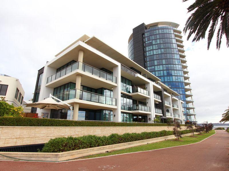https://propertyphotos.vaultre.com.au/835/759697__reaimport-1568684095-347356-29028.jpg