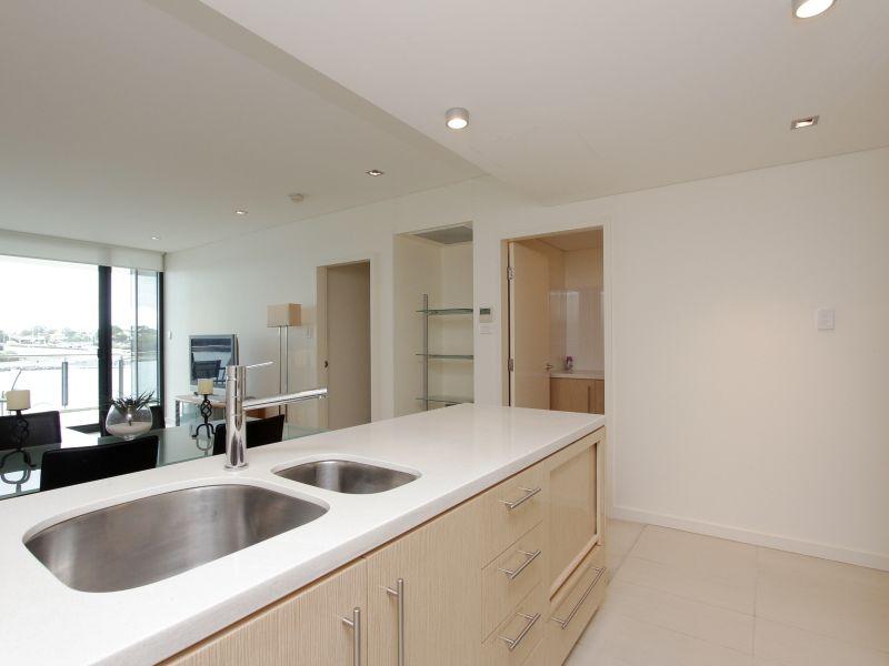 https://propertyphotos.vaultre.com.au/835/759702__reaimport-1568684096-347356-29028.jpg