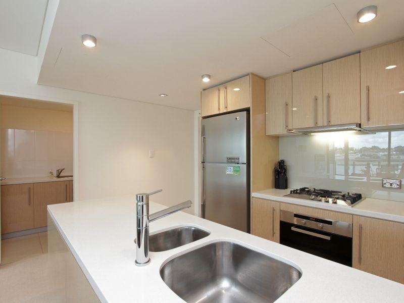 https://propertyphotos.vaultre.com.au/835/759704__reaimport-1568684097-347356-29028.jpg